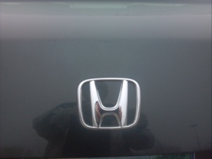 Honda badge.